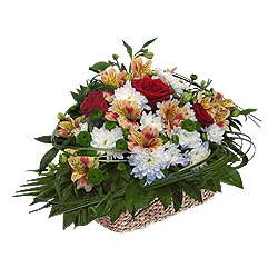Корзина с розами, альстромериями, хризантемами