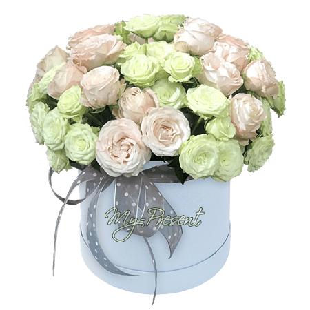 Цветы в шляпной коробке в Риме