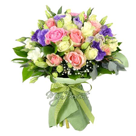 Букет из роз и лизиантусов в Челябинске