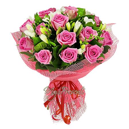 Букет из роз и фрезий в Лондоне