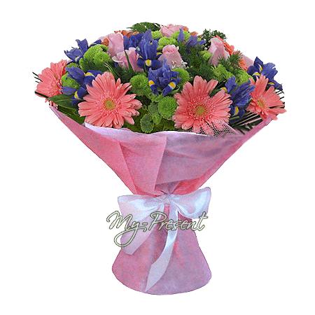Букет из гербер, роз, ирисов украшенный зеленью в Самаре