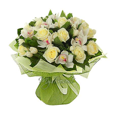 Букет из роз, орхидей, тюльпанов в Варшаве