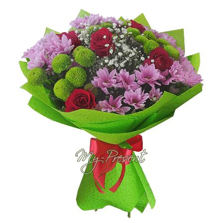 Букет из роз и хризантем в Томске
