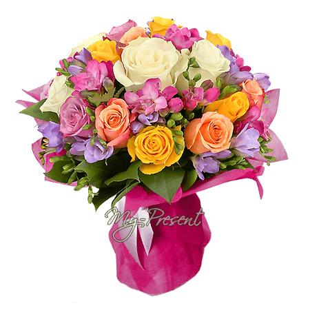Букет из роз и фрезий в Кишиневе