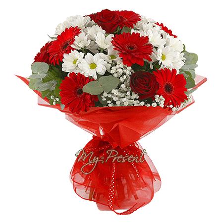 Букет из роз, гербер и хризантем в Кишиневе