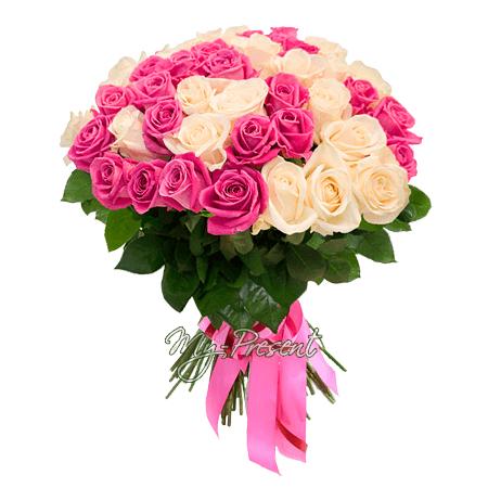 Букет из белых и розовых роз (50 см) в Самаре