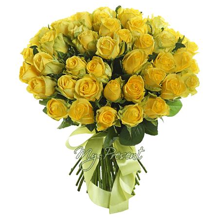 Букет из желтых роз (60 см) перевязанных лентой в Владивостоке