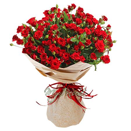 Букет из красных кустовых роз
