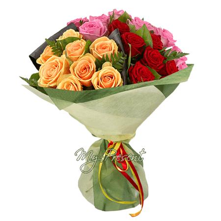 Букет из разноцветных роз (60 см)