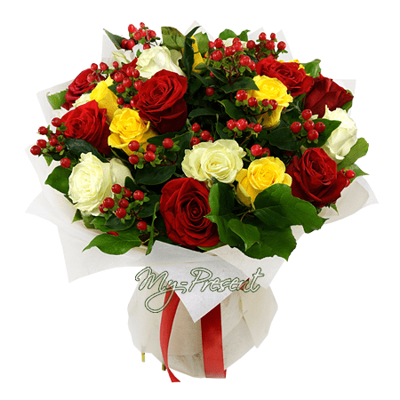 Букет из разноцветных роз с гиперикумом в Омске