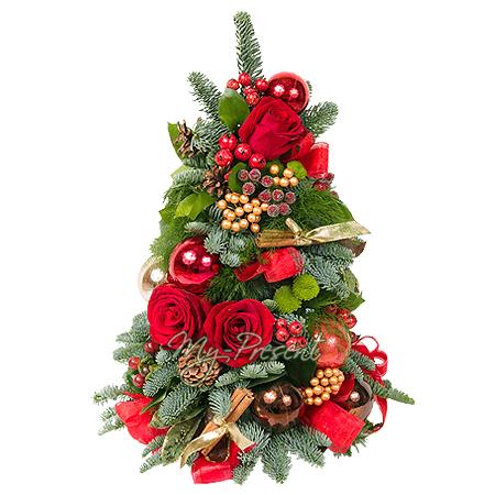 Новогодняя композиция с розами в форме елки